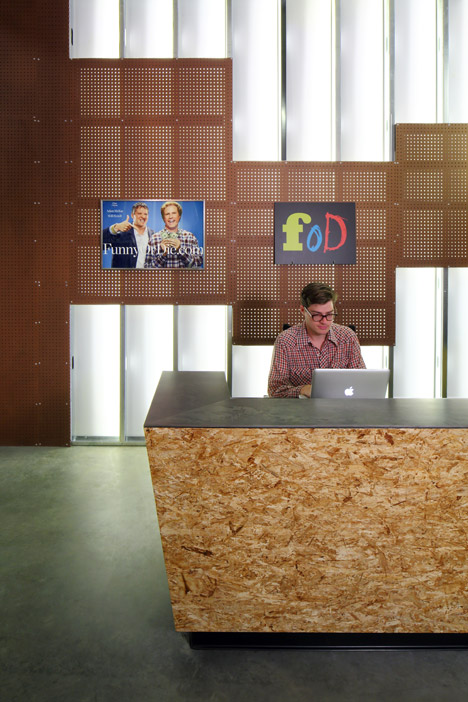 Funny Or Die Offices by Clive Wilkinson
