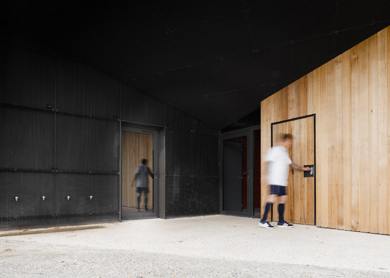 Hidden locker rooms by MU Architecture