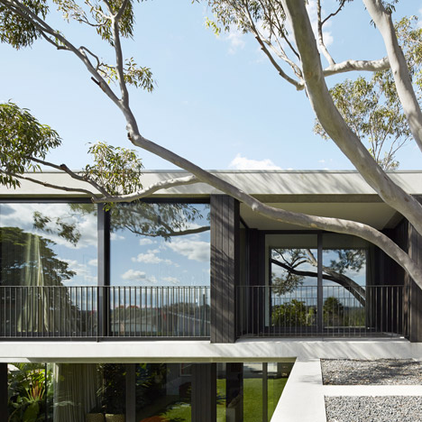 Hopetoun_House_by_BE_Architecture-_dezeen_468_1
