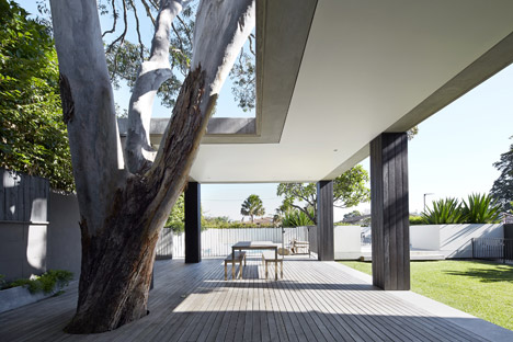 Hopetoun_House_by_BE_Architecture-_dezeen_468_11