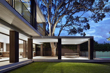 Hopetoun_House_by_BE_Architecture-_dezeen_468_12