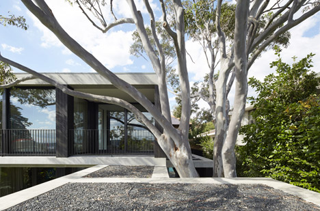 Hopetoun_House_by_BE_Architecture-_dezeen_468_4