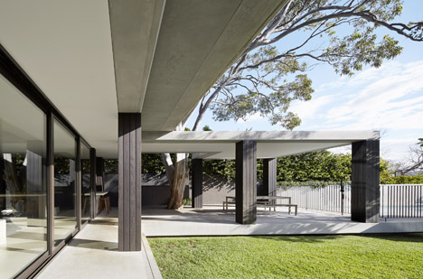 Hopetoun_House_by_BE_Architecture-_dezeen_468_6