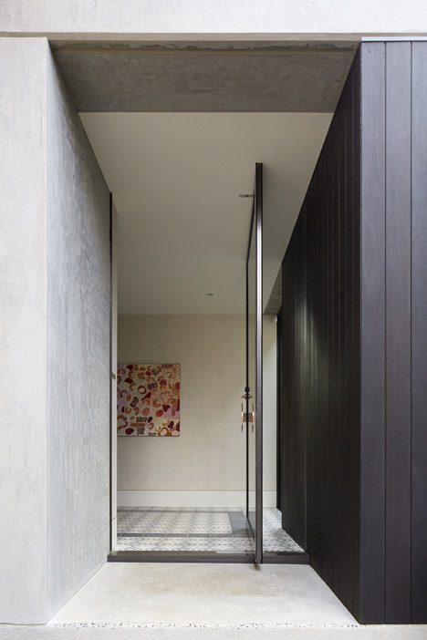 Hopetoun_House_by_BE_Architecture-_dezeen_468_7