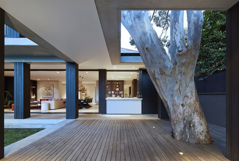 Hopetoun_House_by_BE_Architecture-_dezeen_468_9