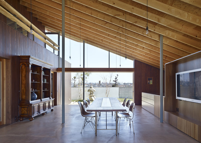 Suppose Design Office Adds Double Height Dining Room To House In Chiba