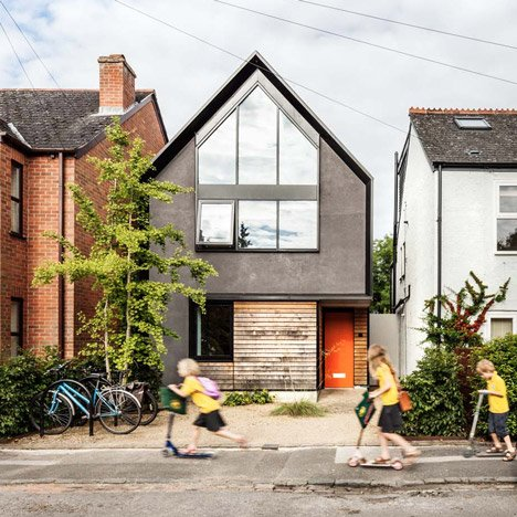 Waind Gohil Architects puts a contemporary spin on Oxford's gabled houses