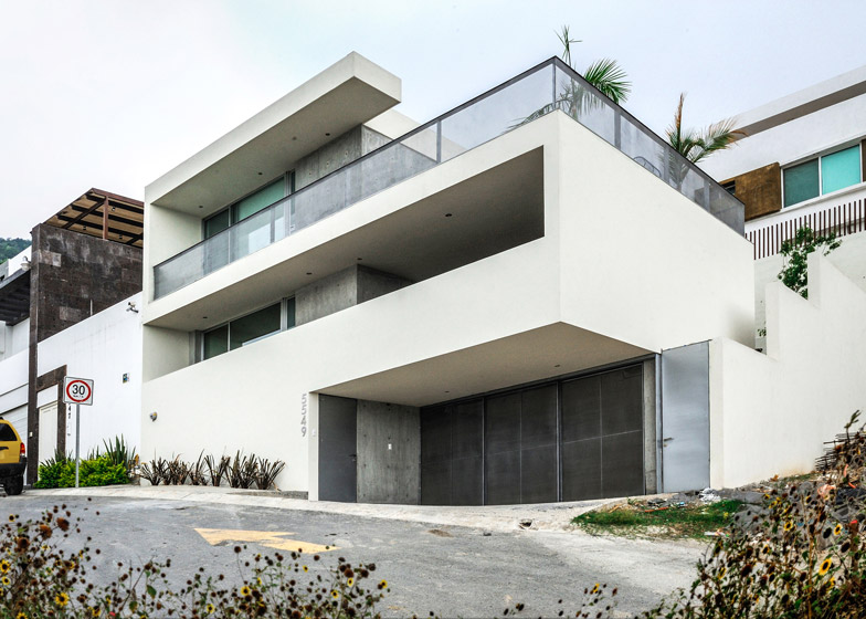IPE House by David Pedroza