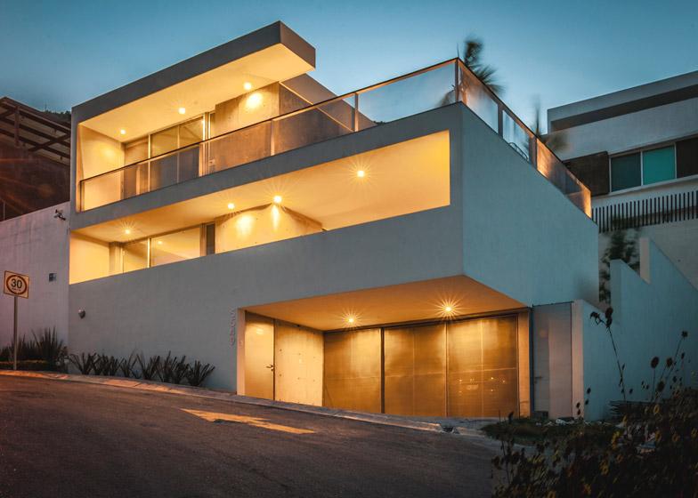 IPE House by David Pedroza