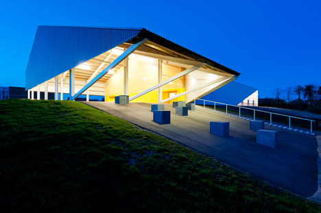 Løgstør sports hall by CEBRA