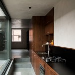 Donal Colfer Architects adds concrete and glass extension to Dublin residence