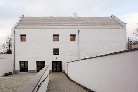 Municipal House Slavonice by Opocensky Valouch Architekti