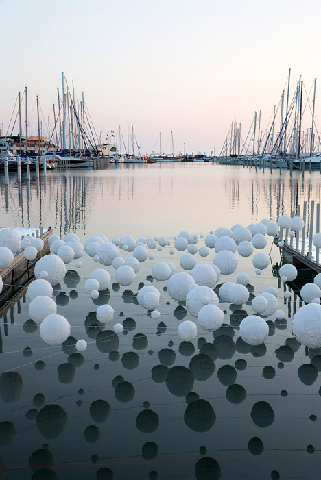 Sensual Wave installation by Marion Moustey and Alexandre Arcens