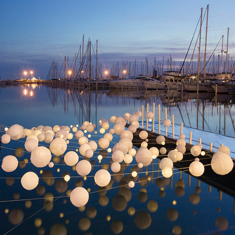 Sensual Wave installation illuminates an empty dock at La Grande-Motte harbour