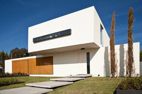 Pedro House by VDV ARQ