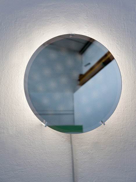 Project Moire Mirror by Hayo Gebauer