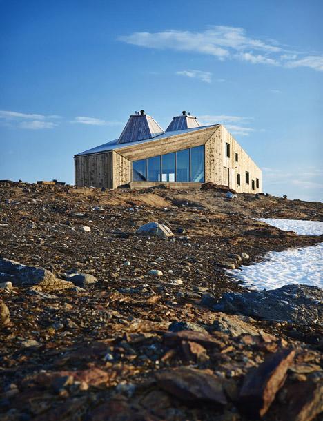 Rabot Tourist Cabin by JVA