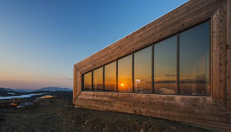 Rabot Tourist Cabin by JVA