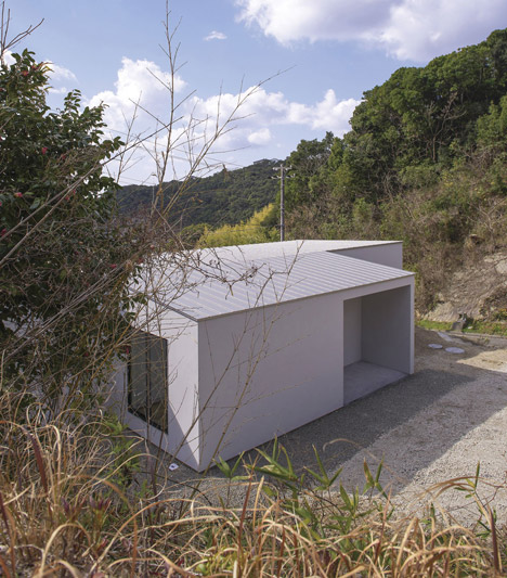 Shirahama_no_Hiraya_by_Okuwada_Architects_Office_dezeen_468_0