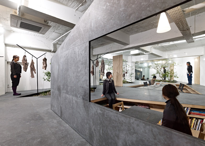 Sisii office and showroom by Yuko Nagayama and Associates