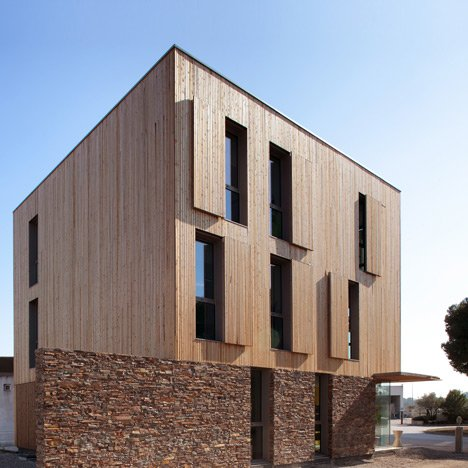 St-Jean-de-Vedas-Technical-Center-extension-by-Chrystelle-Sanaa-_dezeen_468_sq