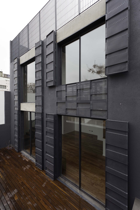 Two Houses Conde by Estudio HMA