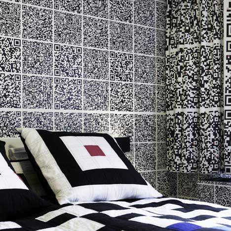 dezeen_QR-code-hotel-room_2