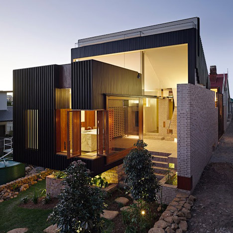 Highgate Hill House by Two Folds Studio and Cox Rayner Architects