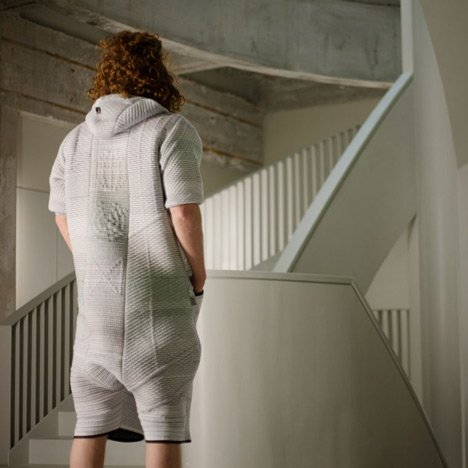 BB.Suit 0.2 is an outfit that cleans polluted air