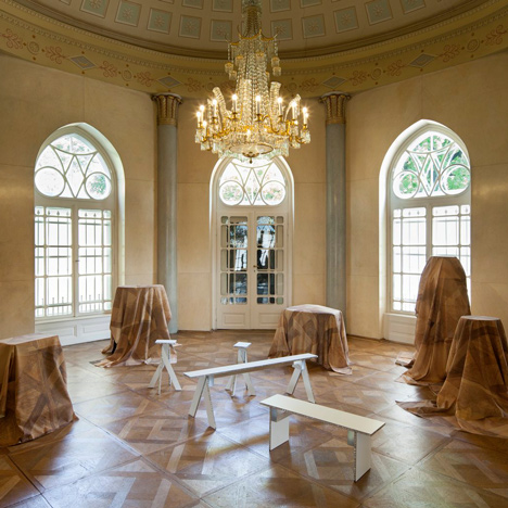 "Robert Stadler drapes furniture in patterned ""invisibility cloaks"" for MAK museum installation"