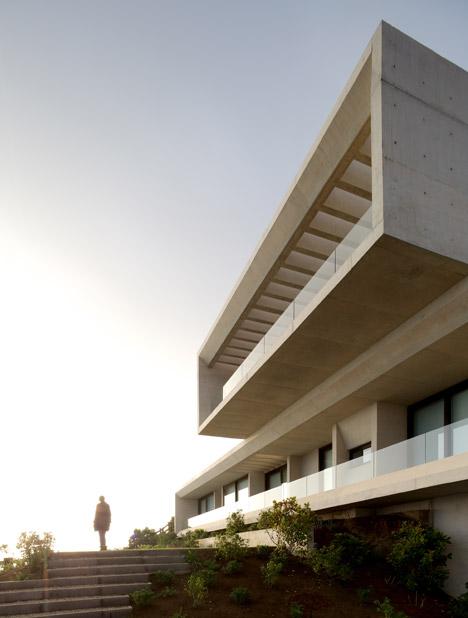 Casa MO by Gonzalo Mardones Viviani & Asociado