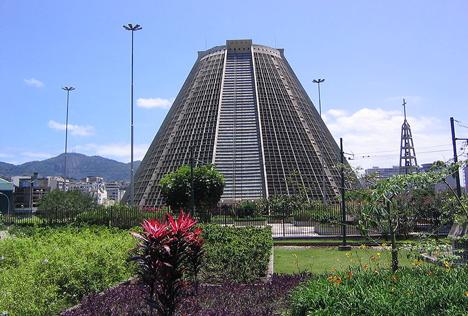 Catedral Metropolitana de Sao Sebastiao by Edgar Fonceca