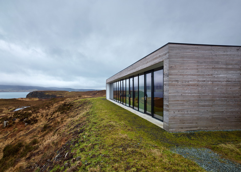 Cliff House, Isle of Skye by Dualchas Architects