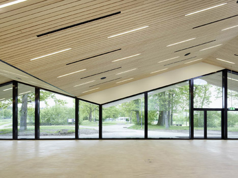 Community hall in Oberglatt by Frei + Saarinen