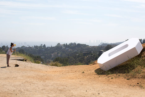 Falling Icon in Los Angeles by Ordinary Architecture