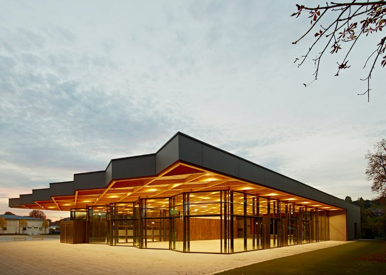 Festival Hall Neckarallee by Ackermann and Raff-