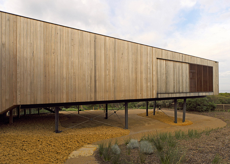 Great Ocean Road House by ITN Architects