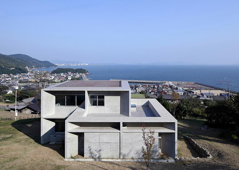 House in Tajiri by Kazunori Fujimoto