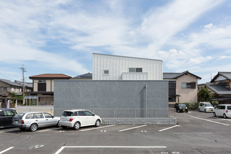 Kusatsu House by Alts Design Office