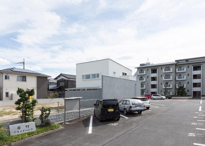 Kusatsu House by Alts Design Office