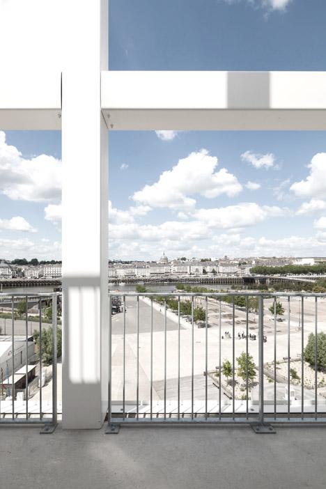 Nantes Social Housing by Antonini Darmon