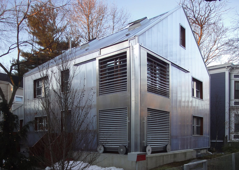 Polycarbonate house in Cambridge by Manfredo di Robilant