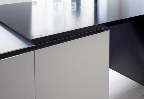 A close-up of Corian solid surfaces used in The Sharp kitchen of Poliform Varenna