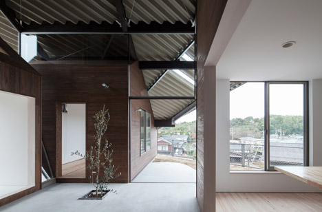 Rain Shelter House by Y+M Design