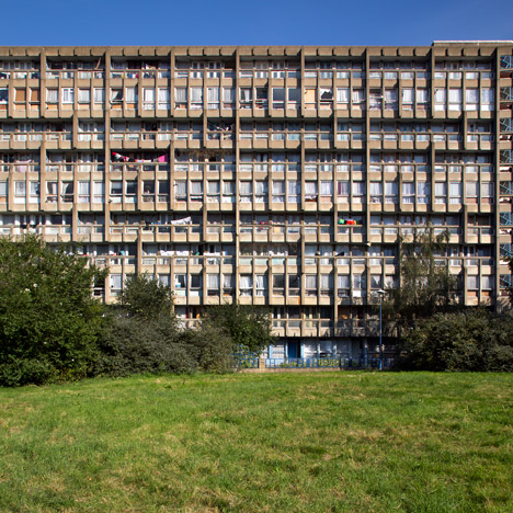 Politician calls for immediate demolition of Robin Hood Gardens after listing bid fails