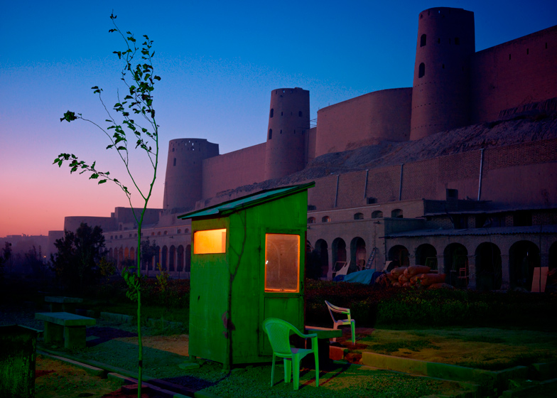 Simon Norfolk, A security guards booth, Herat, 2010