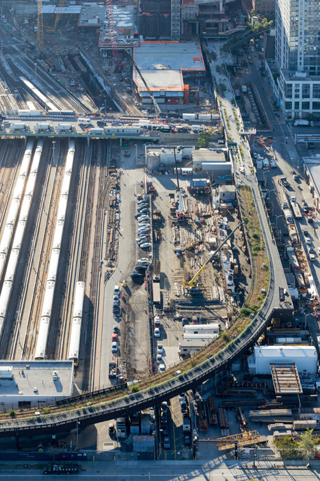 The-High-Line-at-the-Rail-Yards_dezeen_468_0