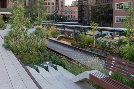 The-High-Line-at-the-Rail-Yards_dezeen_468_13