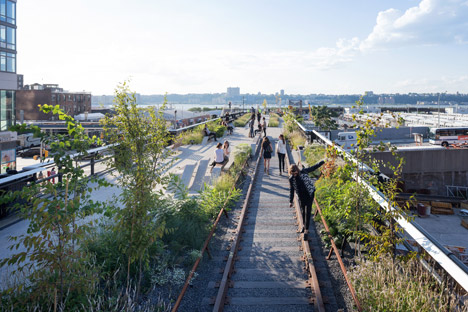 The-High-Line-at-the-Rail-Yards_dezeen_468_3