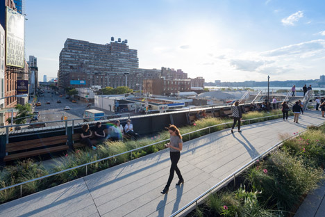 The-High-Line-at-the-Rail-Yards_dezeen_468_6